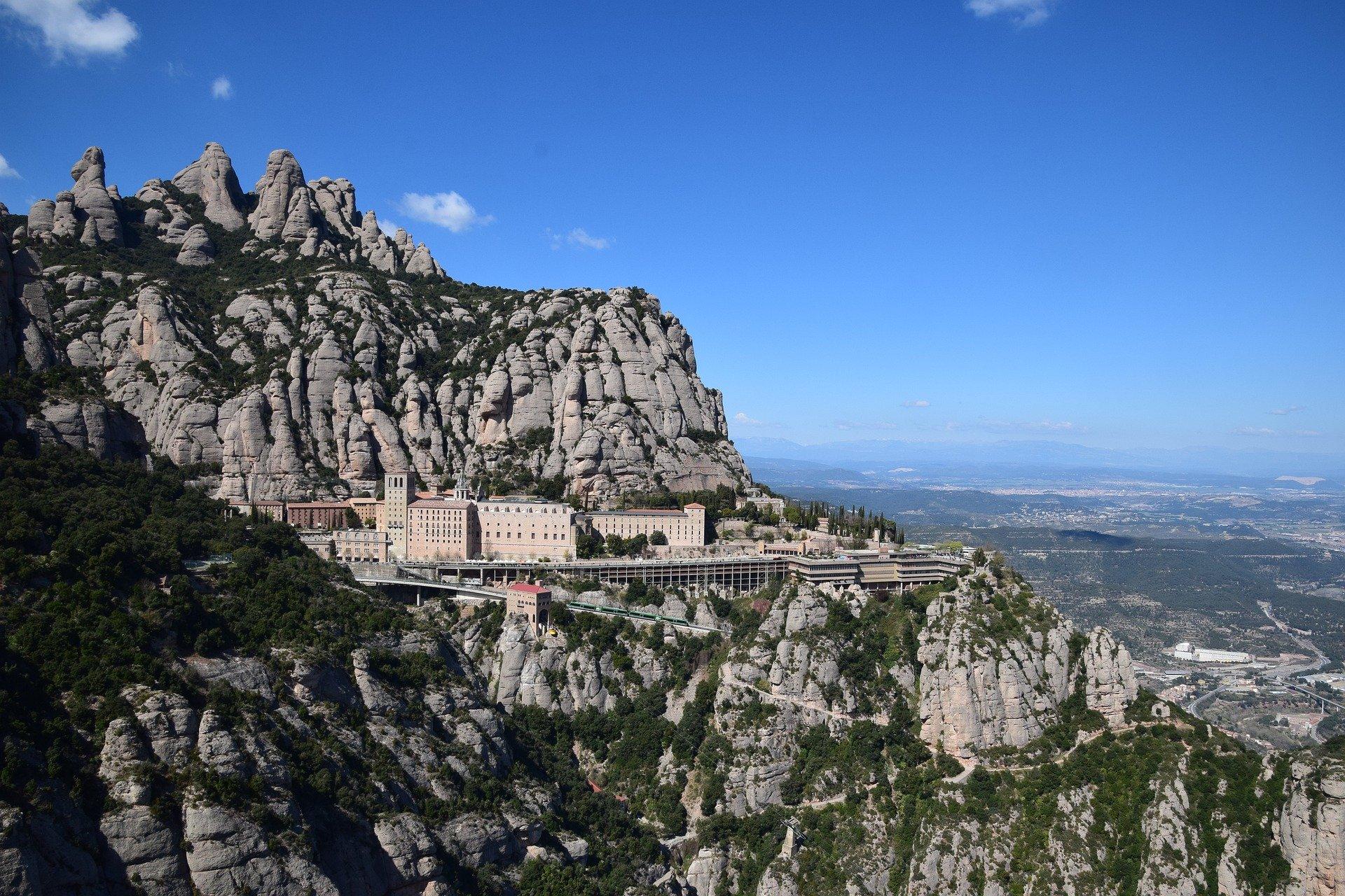 Convocatoria para la concesión de subvenciones a autónomos y empresas del sector turístico de Cataluña afectados económicamente por la COVID-19