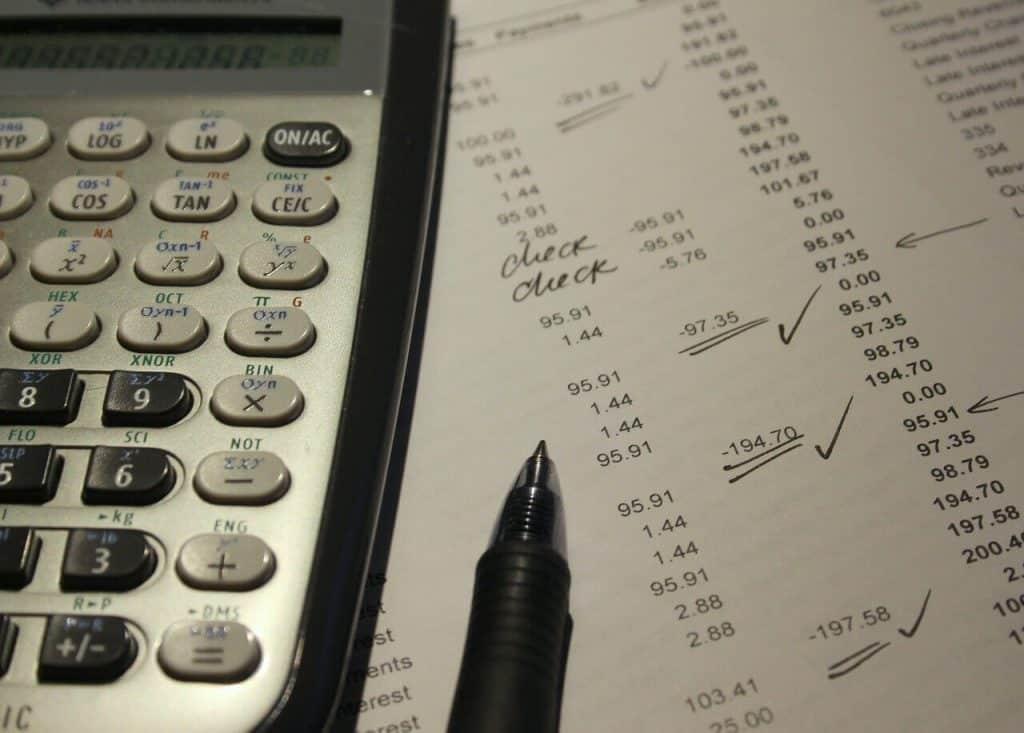 diferencia auditoría pública y privada